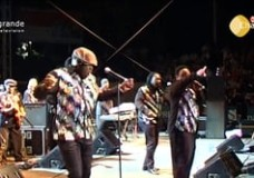 Earth Wind & Fire Concert from Puente Romano – 2011